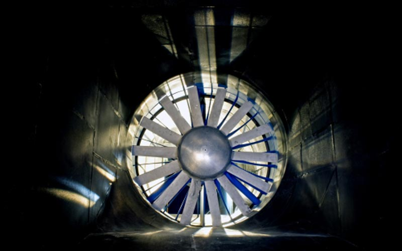 Turbomachines, wind tunnels